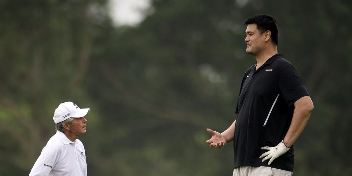 Photo Of Yao Ming Making Golf Legend Gary Player Look Like A Small
