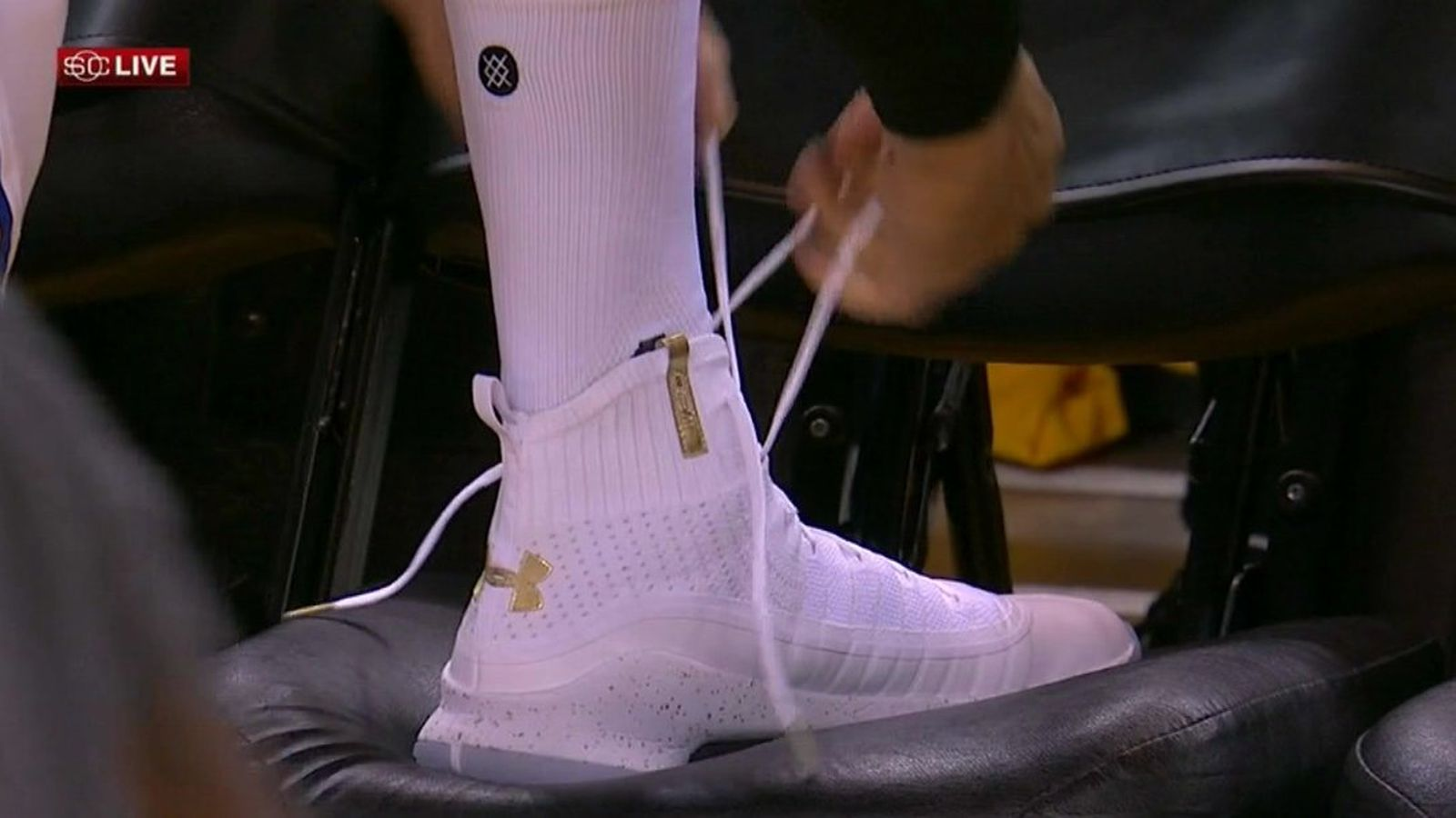 Stephen Curry sports his latest shoes during Game 1 of the NBA Finals ... and they're not bad ...